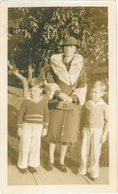 Afb. 1: de tante uit Amerika met Rudy en Ferdy